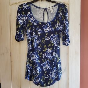White House Black Market floral top sz M